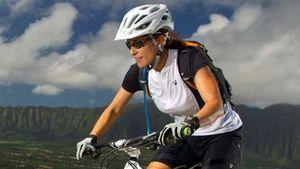MTb kerékpár sisakok nőknek