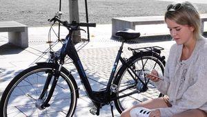 Női kerékpár alacsony átlépésű vázzal